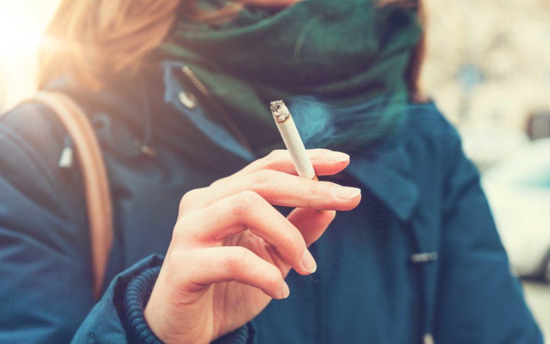 Schadet Rauchen meinen Zähnen?